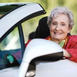 Wir werden immer älter und bleiben in der Regel lange fit. Als eine der ersten Fahrschulen im Zürcher Oberland bieten wir seit Jahren Fahrberatungen für Menschen im reiferen Alter an.